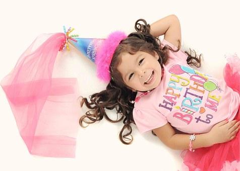 Pour l'anniversaire de vos enfants, vos animations de mariage, les cérémonies religieuses, une fête de famille ou certainement toute autre occasion de s'amuser.