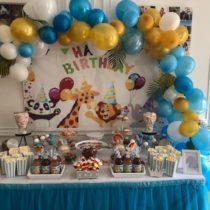Buffet anniversaire Happy Birthday avec les animaux